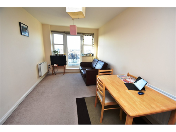Property & Flats to rent with David Conway & Co Ltd (South Harrow) L2L655-316
