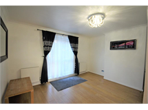 3 Bed Flats And Apartments in Hoxton property L2L101-834