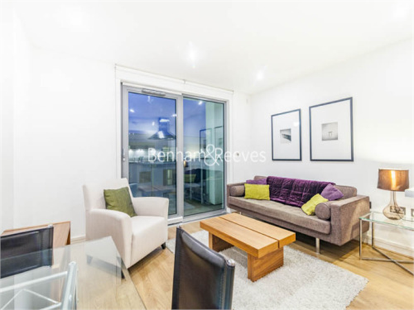 Property & Flats to rent with Benham and Reeves  (Canary Wharf) L2L1076-324
