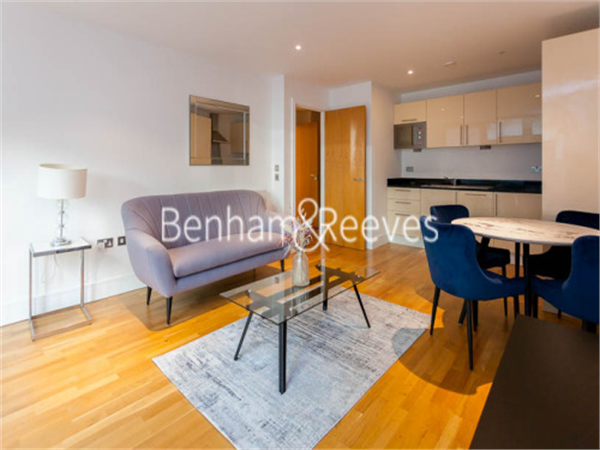 Property & Flats to rent with Benham and Reeves  (Canary Wharf) L2L1076-333
