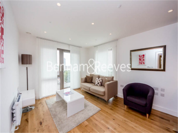 Property & Flats to rent with Benham and Reeves  (Canary Wharf) L2L1076-100