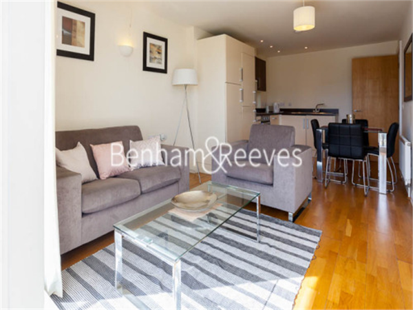 Property & Flats to rent with Benham and Reeves  (Canary Wharf) L2L1076-152