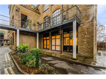 3 Bed Flats And Apartments in Dalston property L2L1203-576