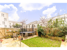 5 Bed Flats And Apartments in Dalston property L2L1203-598