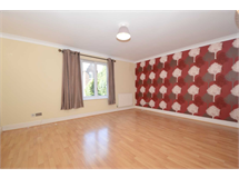 2 Bed Flats And Apartments in Bushill Park property L2L131-360