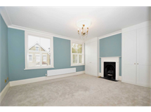 4 Bed House in Friern Barnet property L2L131-384