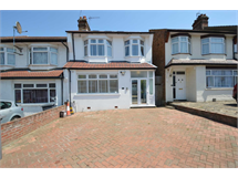 4 Bed House in Colney Hatch property L2L131-402