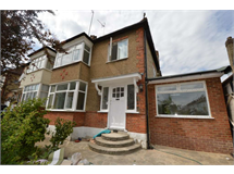 4 Bed House in Colney Hatch property L2L131-403