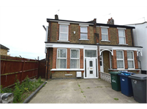 3 Bed House in Friern Barnet property L2L131-346