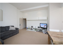 2 Bed Flats And Apartments in Ravenscourt Park property L2L13369-221