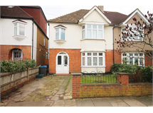 4 Bed House in New Malden property L2L134-610