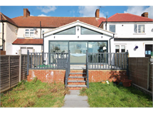 4 Bed House in Malden Green property L2L134-618