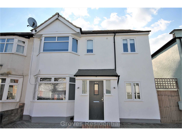 Property & Flats to rent with Groves Residential L2L134-954