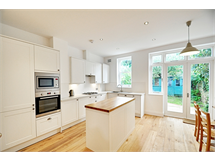 4 Bed House in Acton Green property L2L144-440