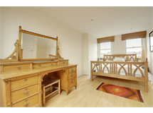 5 Bed House in Acton Green property L2L144-939