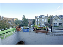 2 Bed Flats And Apartments in Gunnersbury property L2L144-992
