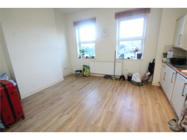 Property & Flats to rent with Bairstow Eves (Lettings) (East Croydon) L2L1452-1414