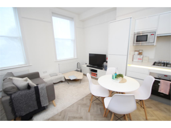 Property & Flats to rent with Bairstow Eves (Lettings) (East Croydon) L2L1452-1816