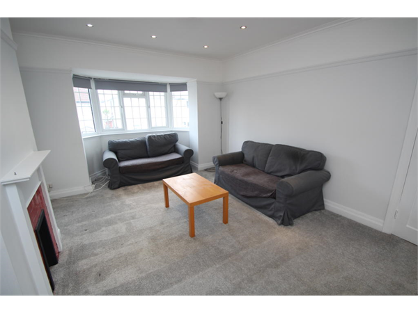 Property & Flats to rent with Bairstow Eves (Lettings) (East Croydon) L2L1452-958
