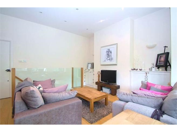 Property & Flats to rent with Bairstow Eves (Lettings) (Battersea) L2L1455-453
