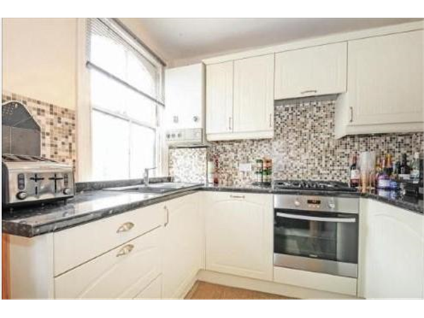 Property & Flats to rent with Bairstow Eves (Lettings) (Battersea) L2L1455-452