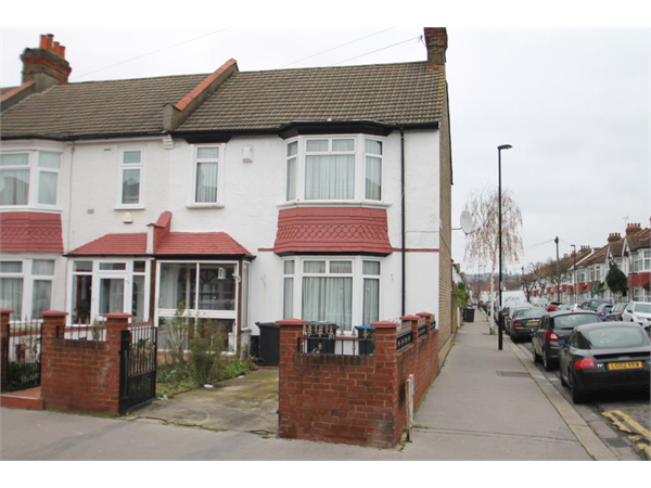 Property & Flats to rent with Bairstow Eves (Lettings) (Norbury) L2L1468-100