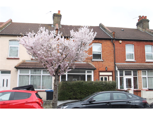 Property & Flats to rent with Bairstow Eves (Lettings) (Norbury) L2L1468-362