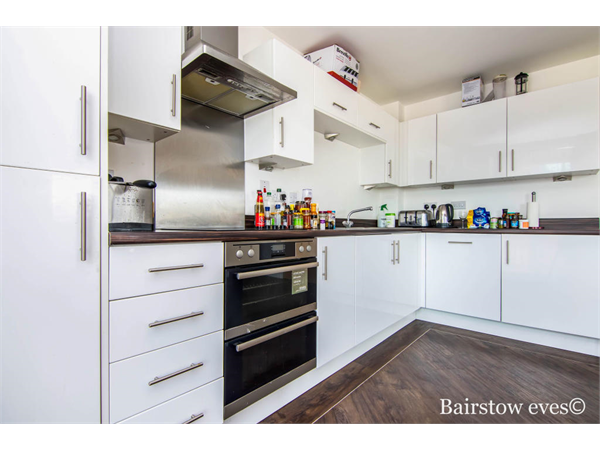 Property & Flats to rent with Bairstow Eves (Lettings) (Romford) L2L1471-100
