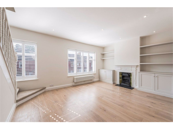 Property & Flats to rent with Castle Estates (South London) Ltd L2L158-945