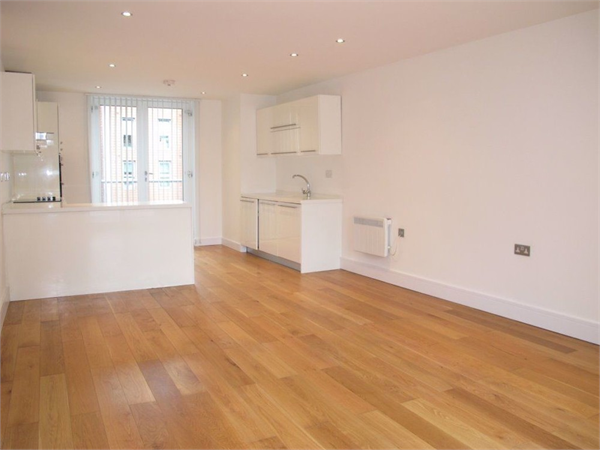 Property & Flats to rent with Castle Estates (South London) Ltd L2L158-960