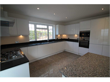 4 Bed House in Woodcote Grove property L2L1660-243