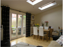 2 Bed Flats And Apartments in Raynes Park property L2L183-933