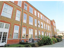 3 Bed Flats And Apartments in Haggerston property L2L184-2115