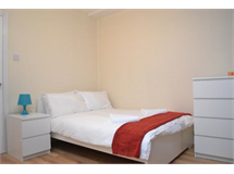 3 Bed Flats And Apartments in Bethnal Green property L2L186-302