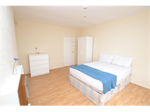 3 Bed Flats And Apartments in Stepney property L2L186-435