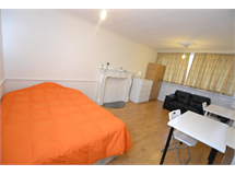 1 Bed Flats And Apartments in South Bromley property L2L186-258
