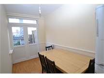 1 Bed Flats And Apartments in South Bromley property L2L186-263