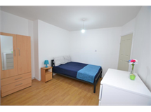 3 Bed Flats And Apartments in Bethnal Green property L2L186-492
