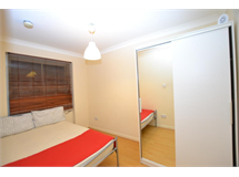 1 Bed Flats And Apartments in Whitechapel property L2L186-613