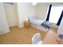 1 Bed Flats And Apartments in Bow property L2L186-656