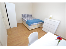 1 Bed Flats And Apartments in Bow property L2L186-1287