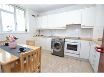 4 Bed Flats And Apartments in Stepney property L2L186-3599