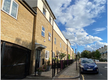 5 Bed Flats And Apartments in Stepney property L2L186-3233
