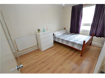 4 Bed Flats And Apartments in Bromley By Bow property L2L186-2005