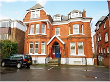 3 Bed Flats And Apartments in South Ealing property L2L206-526