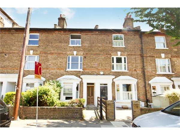 Property & Flats to rent with Orchards of London (Ealing) L2L206-161
