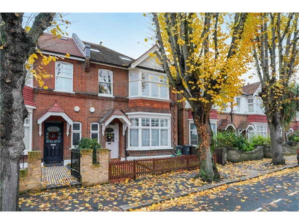 Property & Flats to rent with Orchards of London (Ealing) L2L206-590