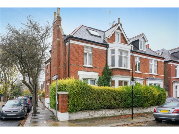 Property & Flats to rent with Orchards of London (Ealing) L2L206-708
