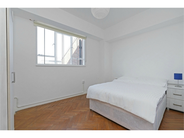 Property & Flats to rent with Orchards of London (Ealing) L2L206-652