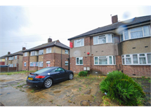 2 Bed Flats And Apartments in Fullwell Cross property L2L225-279